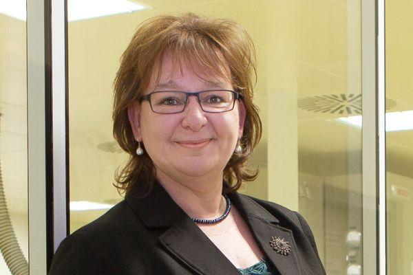 Dr. Katrin Pešić